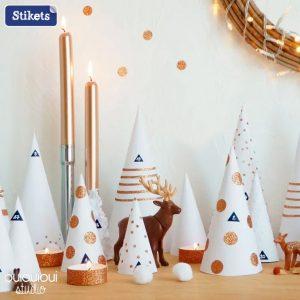 Decora l'ingresso della tua casa con piccoli alberi di Natale